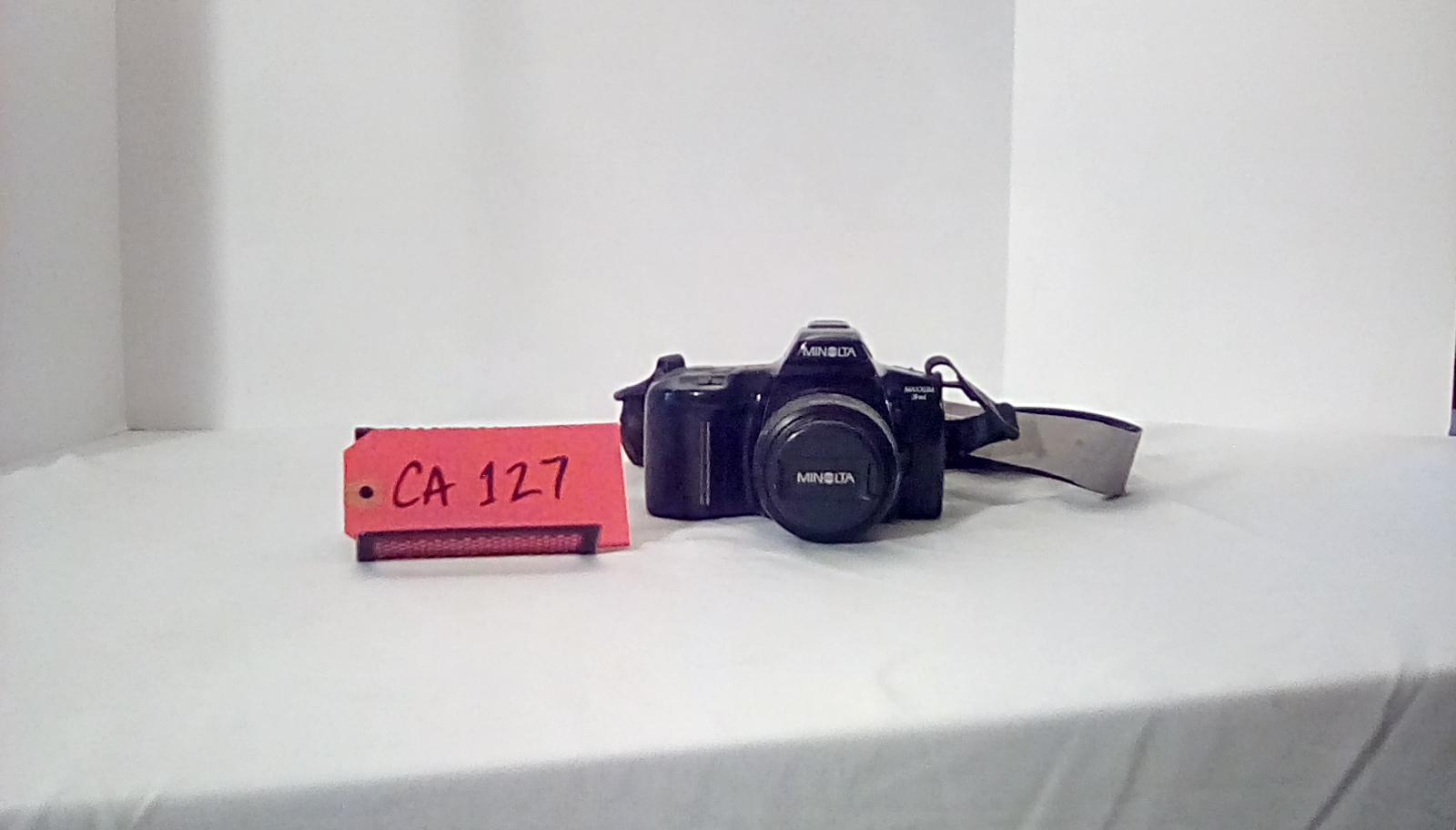 CA127, minolta maxxum 3xi, , 35mm SLR Film Camera is an autofocus 35mm single-lens reflex , w/strap,