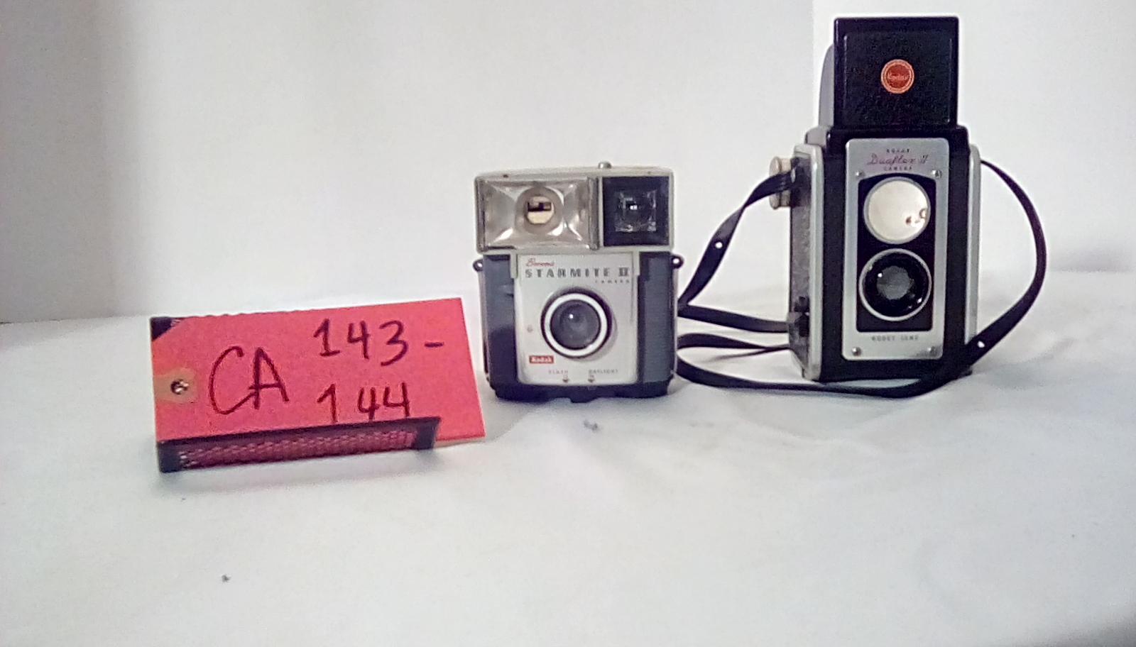 CA143 Brownie Starmite 3, CA144 Kodak duaflex w/formed leather case