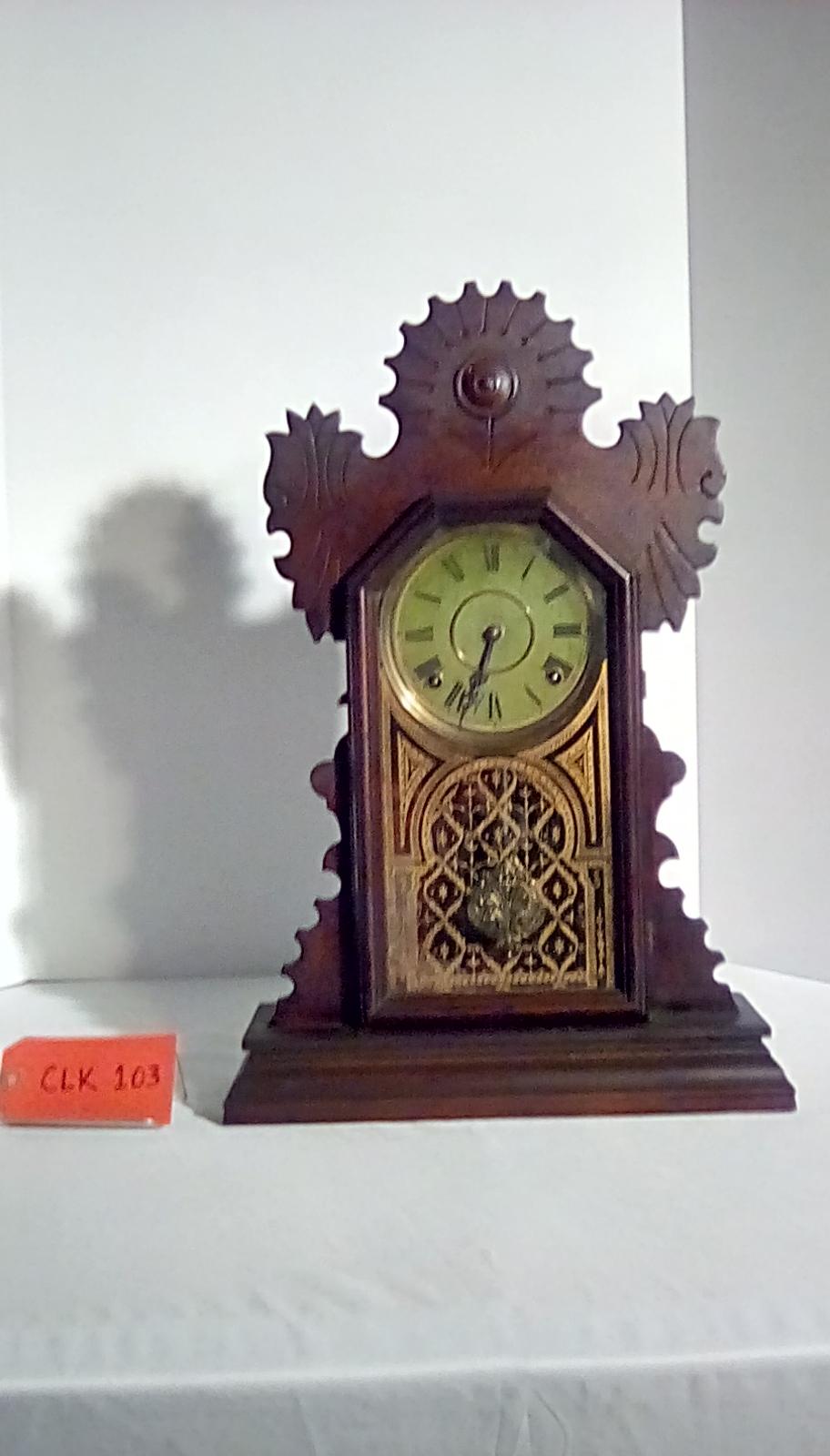 CLK103 wooden mantel clock w/pendulum & a green face