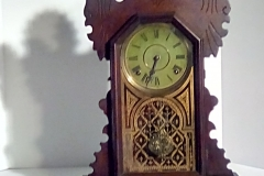 CLK103 wooden mantel clock w/pendulum & a green face
