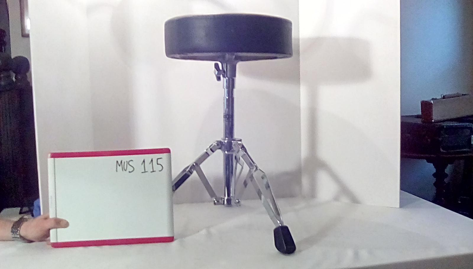 MUS115 drum stool 3 legs